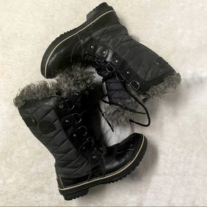 Sorel Joan of Arctic 6 Black Winter Quilted Boots